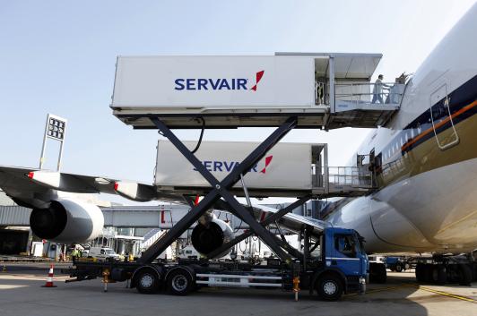 Chargement de l'A380 de la Compagnie Singapore Airlines par le centre Skyflavour.